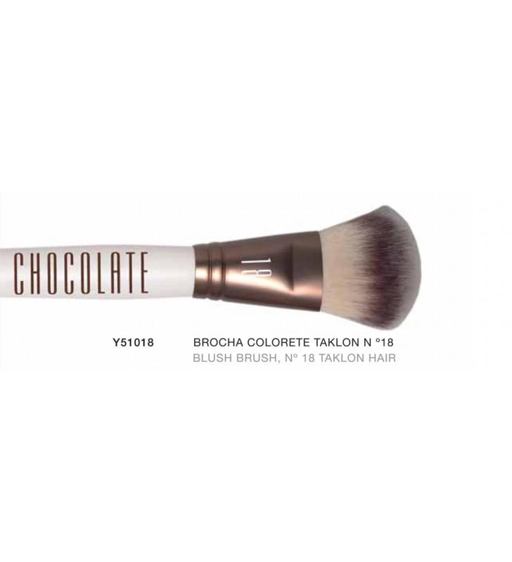 Chocolate. Brocha de Polvos con pelo de Taklon nº18 Y51018