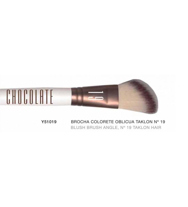 Chocolate. Brocha de Colorete Oblicua con pelo de Taklon nº19 Y51019