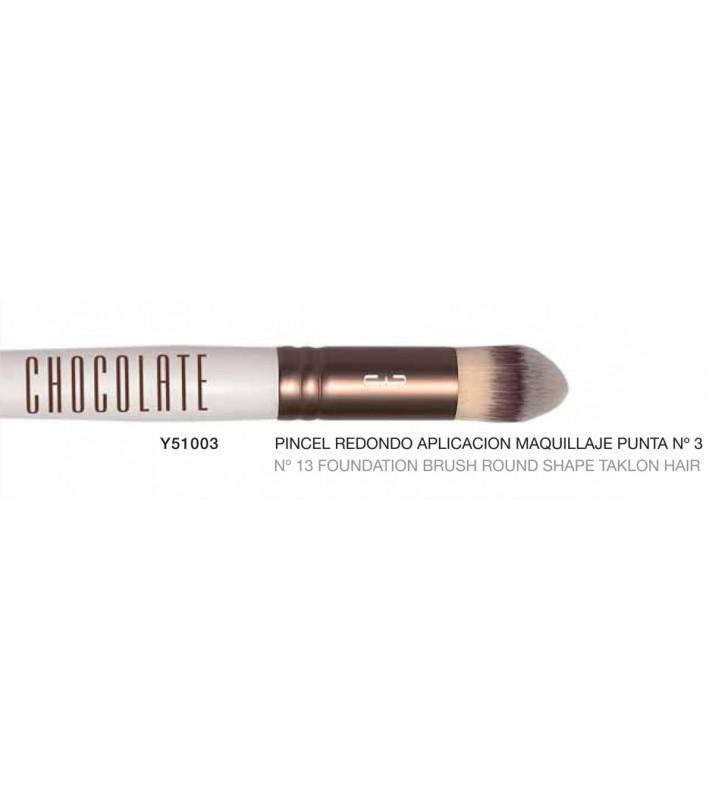 Chocolate. Pincel redondo para aplicación de maquillaje punta nº3 con pelo de Taklon - NOVARA
