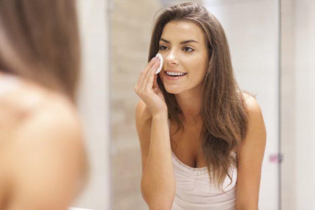 Como hacer un tratamiento para combatir la piel grasa